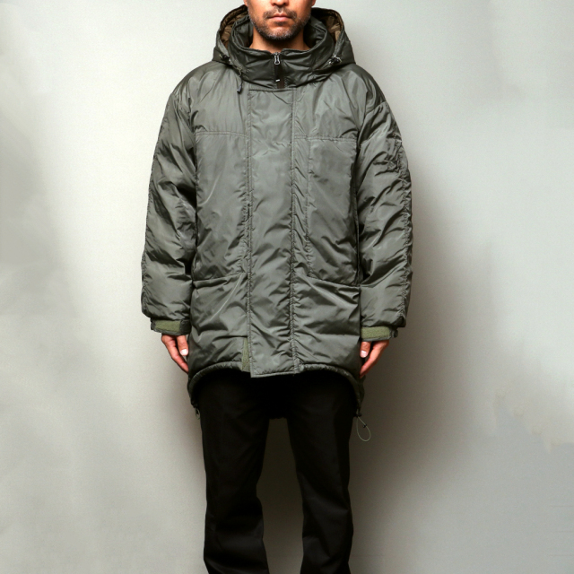 NANGA x FindersKeepers FK-PCU MONSTER PARKA White Duck Down
